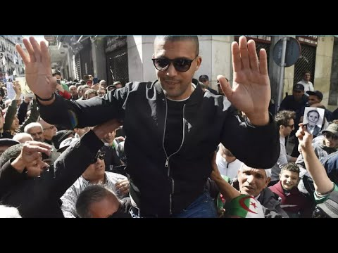 الجزائر: الصحافي خالد درارني.. اتهمه القضاء بالمساس بالوحدة الوطنية ورفض إطلاق سراحه  - نشر قبل 3 ساعة