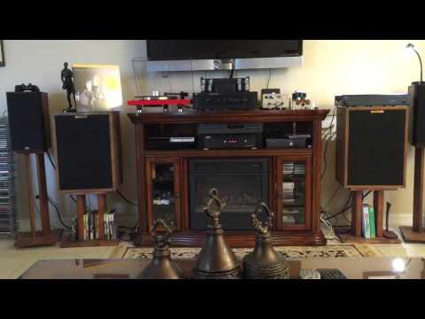 Adcom GFA -535 , Yaqin ms-12b,  Klipsch , music hall 2.2, ortofon 2m red