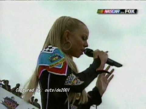 Mariah Carey sings the Star spangled banner