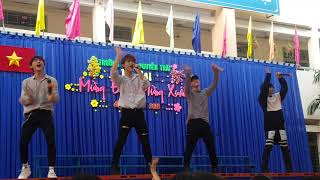 Uni5 hát live cực hay tại trường Nguyễn Trãi 💞