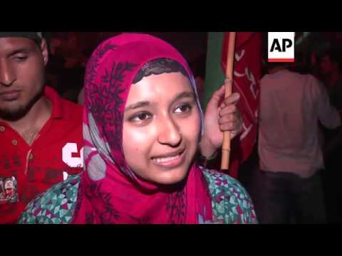 PTI protesters in Karachi as MQM supporters celebrate