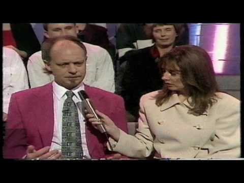 Amazing Psychic Test! - Testing A Medium On TV For Real Psychic Powers!