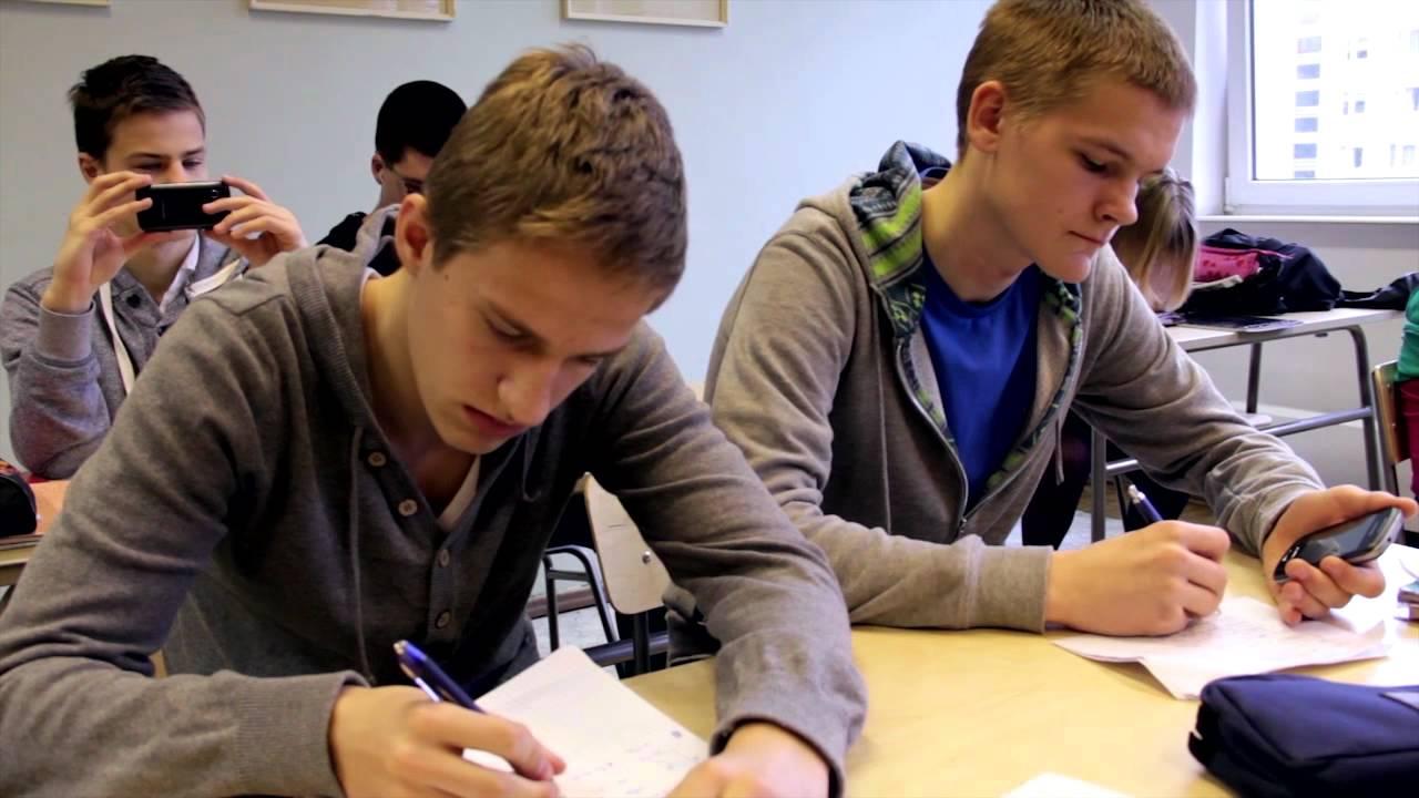 e23b0f2915f Mis koolis tegelikult toimub? - YouTube