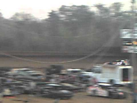 Lake Cumberland Speedway 4-9-11 Late Model Qualifying