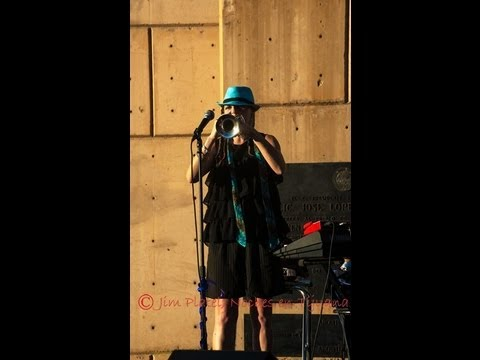 trompetista NINA en vivo - Como fue www.grupolunaa...