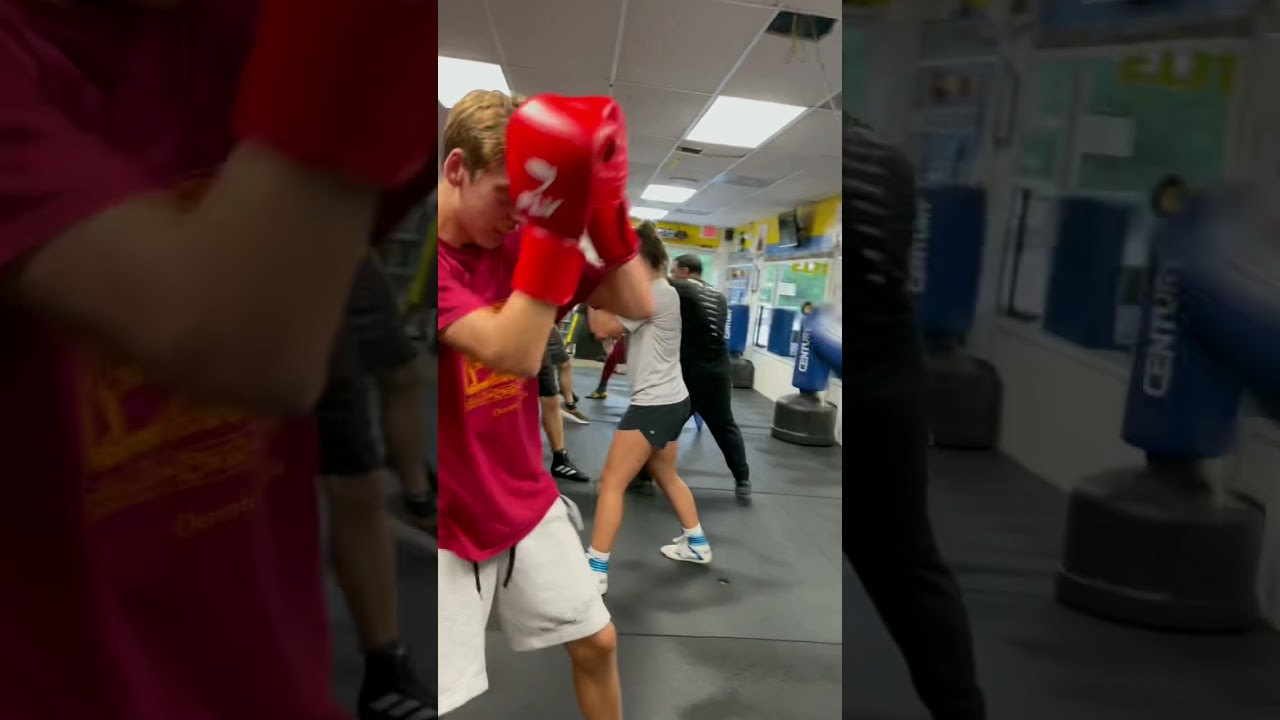 Best Boxing Gym in Florida. Teaching The community How To Box like any Other sports