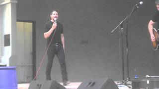 Ty  Herndon- Living in a moment