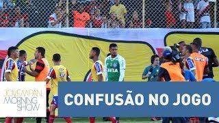 Após confusão, clássico Bahia x Vitória tem 9 jogadores expulsos e final antecipado