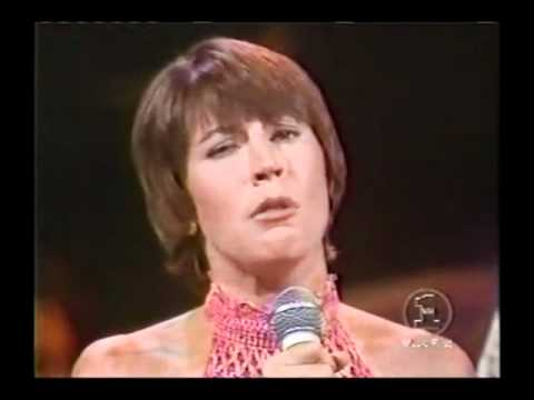 HELEN REDDY JAMMING WITH THE BEE GEES - MIDNIGHT SPECIAL - THE QUEEN OF 70s POP