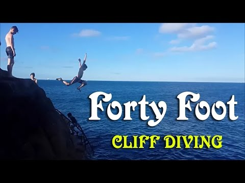 Forty Foot Cliff Diving Dún Laoghaire IRELAND