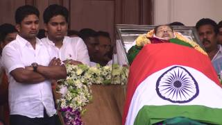 Jayalalithaa passes away: thousands gather to pay last respects to Jayalalithaa
