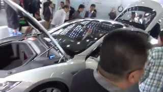 Tesla S и другие автомобили выставки Hi-Tech
