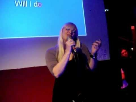 Karina Bosko no Escalada Karaoke - cover I can't stop loving you