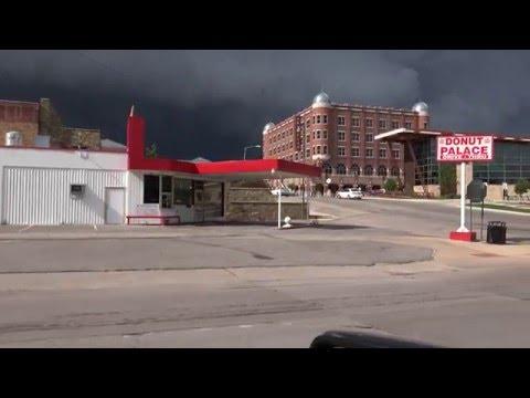 Tornado Sirens Sulphur, OK & Brief Tornado Footage (EF3 Davis) on leaving town