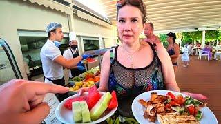 ШОК БЕССТЫЖАЯ ТУРИСТКА в отеле Ramada Resort Lara5 ШВЕДСКИЙ СТОЛ на пляже Отдых в Турции 2021