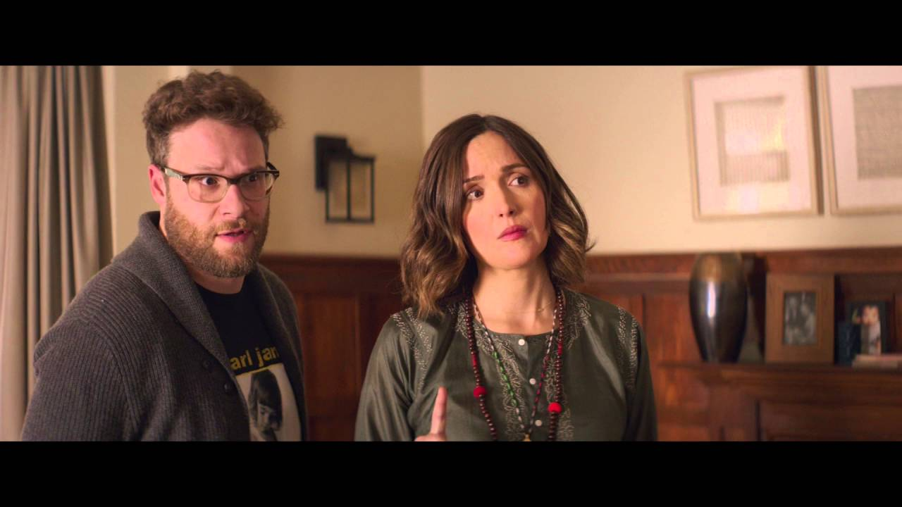 "Download Bad Neighbours 2 - Filmklipp ""Teddy Tells Mac & Kelly He's Switching Sides"""