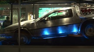 Original Back to the Future DeLorean time machine at Universal Studios Hollywood (full HD)