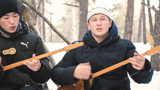 Realistic nature sound imitations and Altai throat singing by the Altyn Tuu Ensemble