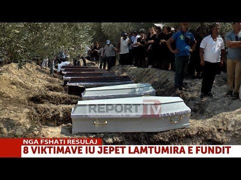 Report TV - Ceremonia, i jepet lamtumira e fundit 8 viktimave të masakrës në Selenicë