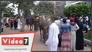 """بالفيديو.. الأطفال يركبون الحمير والخيول فى """"مصطفى محمود"""" احتفالا بالعيد"""