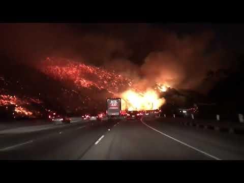 RAW VIDEO: Skirball Fire stuns I-405 drivers in LA