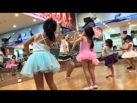 bài múa alibaba