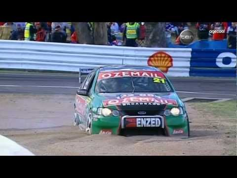 V8 Supercars Flashback - Bowe vs S.Richards at Bathurst (2003)