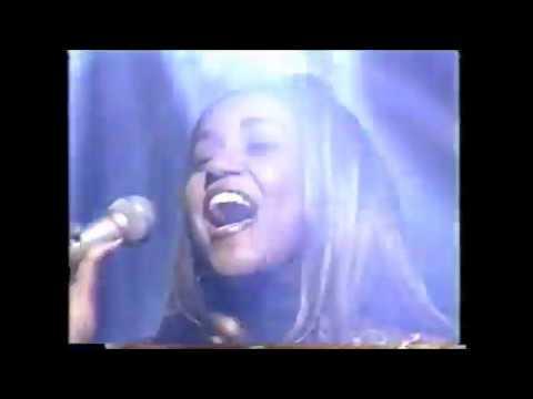 """Wendy Moten [Japan 1996] ウエンディ・モートン/ """"Don't wanna cry"""" (安室奈美恵)"""