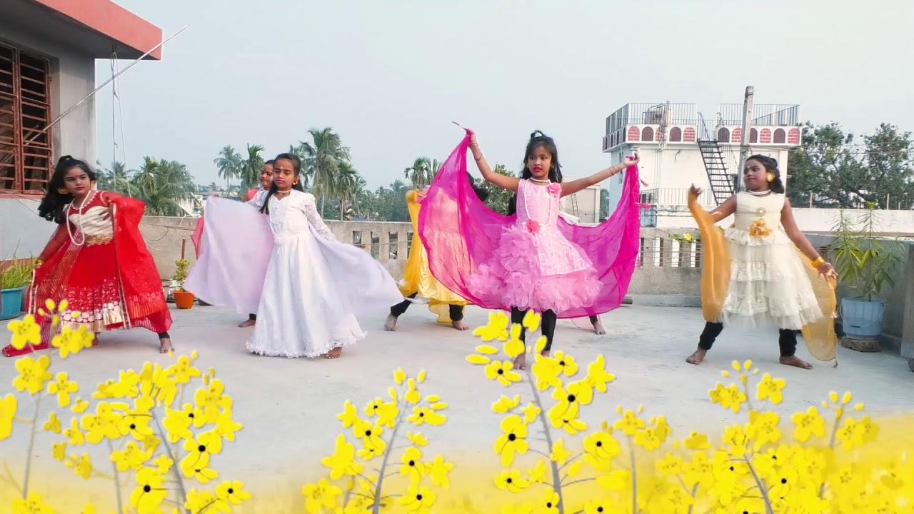 Download Projapoti E mon meluk pakhna dance cover by Nrityangan students