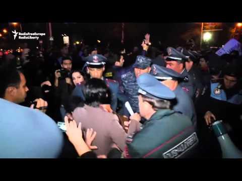 Протест у посольства России / Armenians Protest Against Russian Arms Sales To Azerbaijan