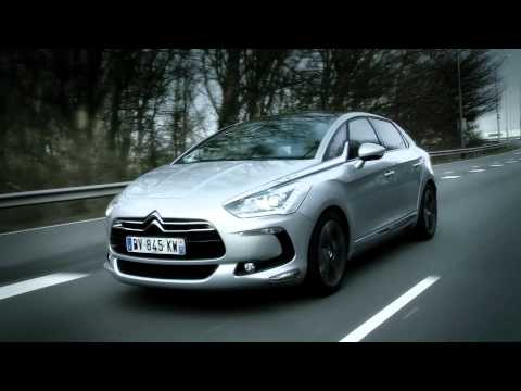 Citroën DS5 vs Peugeot 508 SW (English Subtitled)