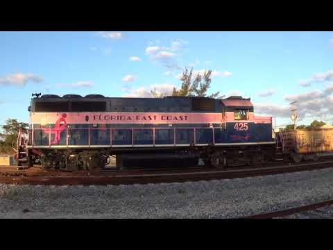 A PINK LADY doing some SWITCHING at the Port of Palm Beach - FEC 945-05 - 3/5/18 - 7:30am - MP 295