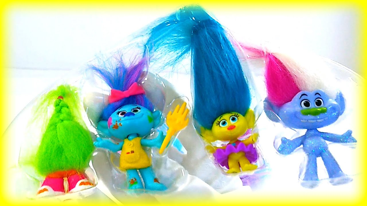 Opening Dreamworks Trolls Toys Playset for Kids Children