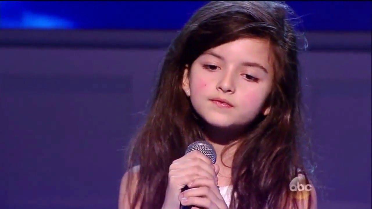 安潔莉娜·喬丹--七歲小女孩唱出老靈魂嗓音 - YouTube