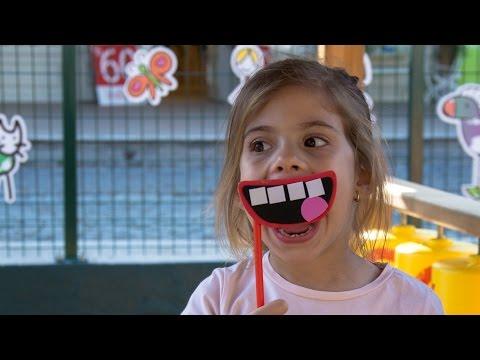 Делаем смешные фото. Набор для фото. Игры для детей - YouTube