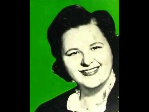 Kate Smith  - When Irish Eyes Are Smiling  (with lyrics)