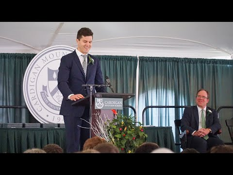 Ben Lovejoy '99 Gives Commencement Address at Cardigan Mountain School