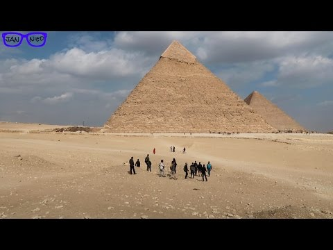 THE SPHINX & THE GREAT PYRAMIDS | Egypt Travel Vlog | Giza
