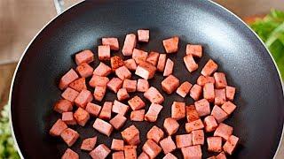 Почему нельзя жарить и варить колбасу?