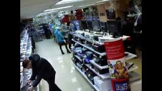 Элегантно украл ноутбук.Прикол. Системы видеонаблюдения(, 2013-12-12T22:49:45.000Z)