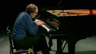 Glenn Gould - Fugue in E Major from The Well Tempered Clavier Book 2 - BWV 878