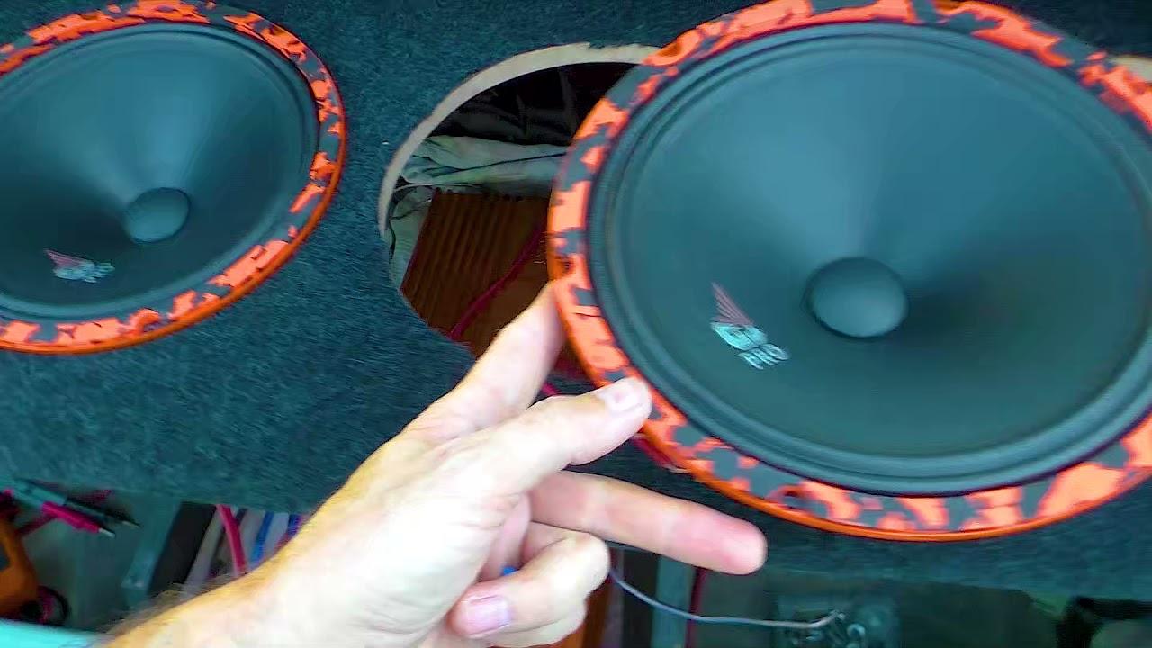 Почему один динамик басит, а когда подключаешь второй бас пропадает? на примере Gryphon Pro 250