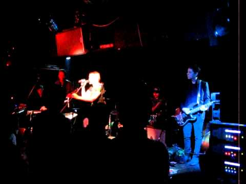 Dévics - Red Morning ( live in Hidden Agenda hong kong 2010 )