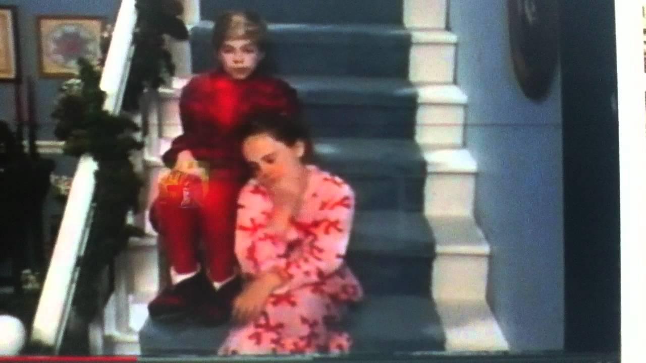BMV-Waiting for Santa & Barney's Special entrance - YouTube