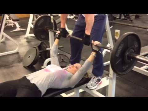 Bikini girl and the bench press - YouTube
