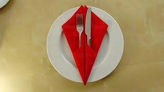 Servietten falten: Einfache Bestecktasche falten - Tischdeko basteln mit Papier-Servietten. Origami