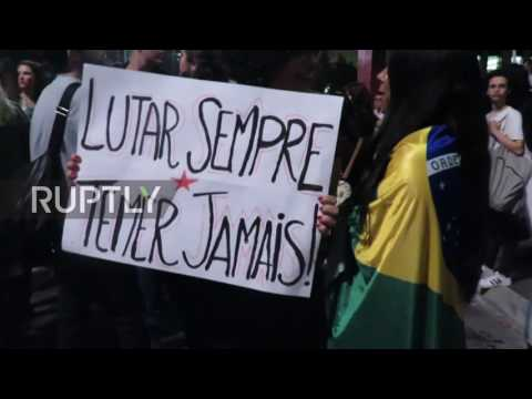Brazil: Pro-Dilma protesters clash with police during rally in Sao Paulo