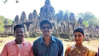 Video 'Om Shanti Om' Shooting in Angkor Wat Temple at Cambodia download MP3, 3GP, MP4, WEBM, AVI, FLV November 2017