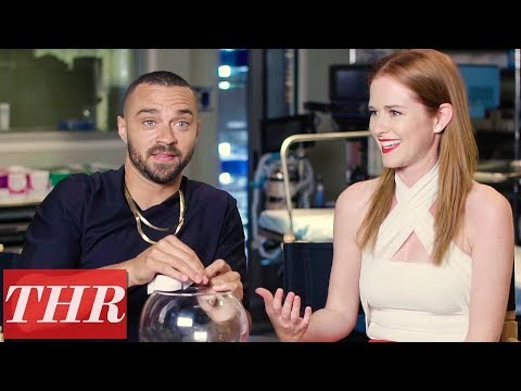 Download Youtube: Cast of 'Grey's Anatomy' Celebrates 300th Episode With a Round of 'Fishing for Answers' | THR