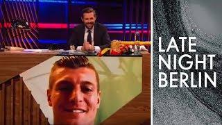 WMVorbereitung 2018 Nationalspieler Toni Kroos aus dem Trainingslager  Late Night Berlin
